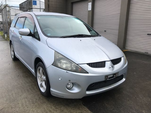 Mitsubishi Chariot NA4W